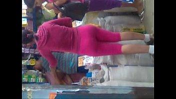 rica y apretadita  caderona en calza rosada four