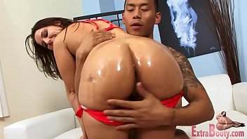 Big ass brunnette loves black cock