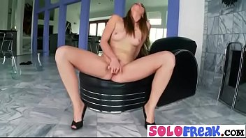 Freak Solo Girl (shae snow) Masturbates Using Sex Stuffs mov-24