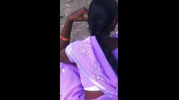 desi bhabhi ki white bra