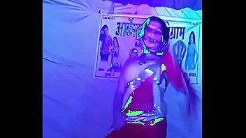 karo pyar mujhe karo supah-steamy dance