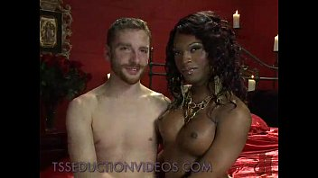 Black tranny sucks small white dick to bound blindfolded guy