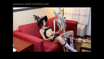 bruxinha rabuda gostosa fazendo pacto com.