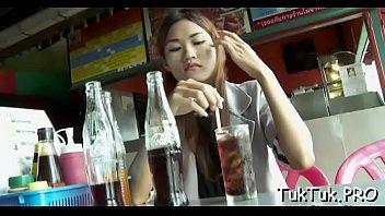 talented thai bitch blows a shlong