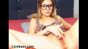 University babe plays with dildo live on - Livebaes.com