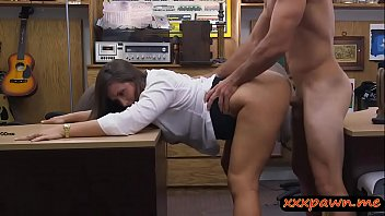 good-sized steaming bootie inexperienced stunner pawns her coochie.