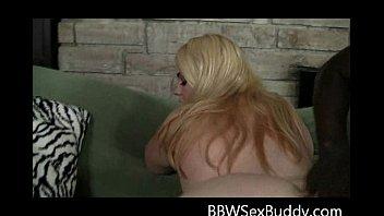 Gorgeous Blonde BBW Gives Amazing Blowjob Sucking BBC