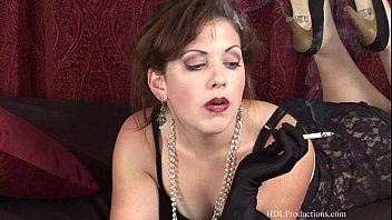 Adell Lamour - Smoking Fetish at Dragginladies