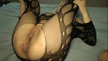 Old Cuckold sharing his Wife and cleaning up creampie - 666camz.net