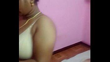 Chennai Desi Bhabhi aunty removing her bra and dress