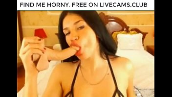 horny-webcam-girl-deepthroat