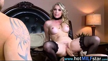 Mature Horny Sexy Lady Ride Huge Dick On Cam vid-10