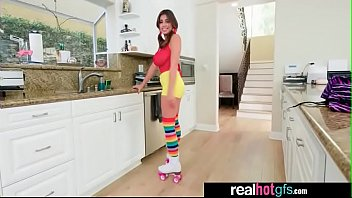 ella knox roller dame get a sensational treat.